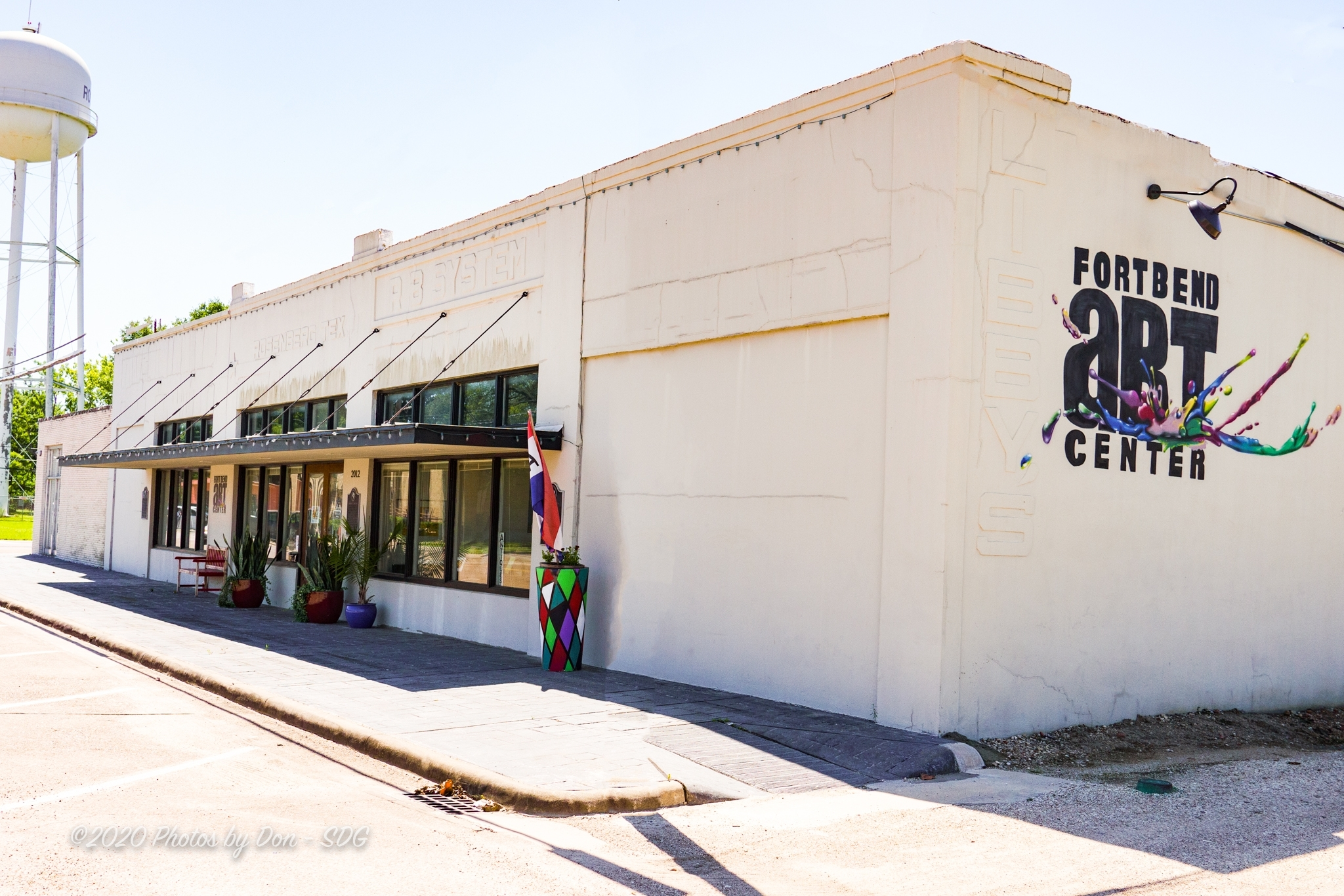 Exterior of Fort Bend Art Center - Home of Art League of Fort Bend